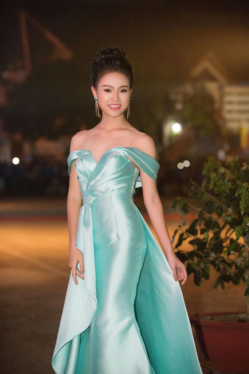 Người đẹp có học vấn 'khủng' nhất Hoa hậu Việt Nam 2016 thay đổi ra sao sau 5 năm? - ảnh 8