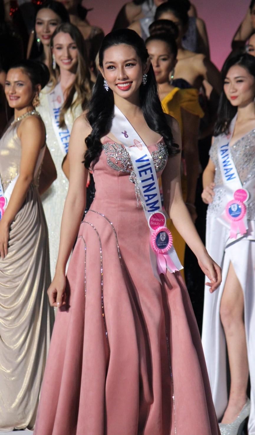 Đọ nhan sắc ba người đẹp từng giành giải 'Người đẹp Nhân ái' tại Hoa hậu Việt Nam - ảnh 9