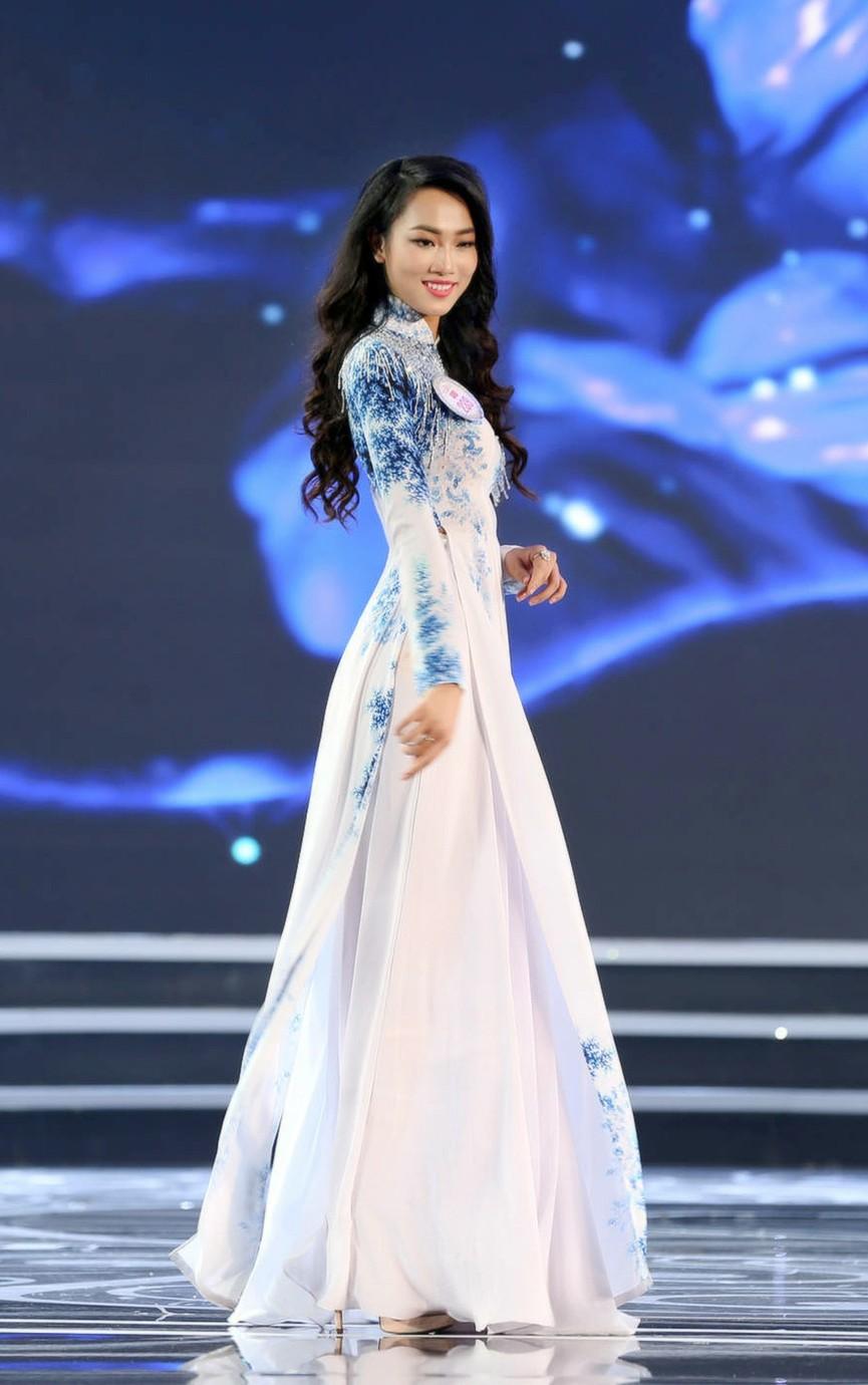 Đọ nhan sắc ba người đẹp từng giành giải 'Người đẹp Nhân ái' tại Hoa hậu Việt Nam - ảnh 5