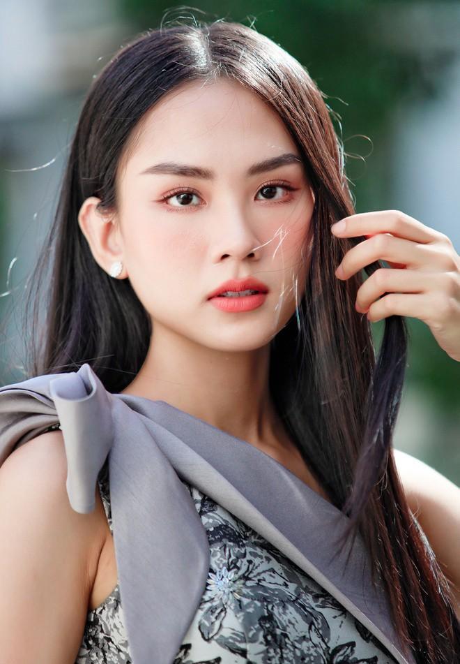 Đọ nhan sắc ba người đẹp từng giành giải 'Người đẹp Nhân ái' tại Hoa hậu Việt Nam - ảnh 15