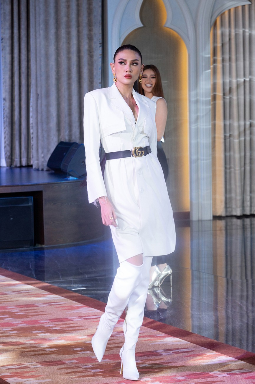 Khánh Vân 'đứng hình' vì bị Vũ Thu Phương chê 'kém duyên' khi catwalk với áo tắm - ảnh 3