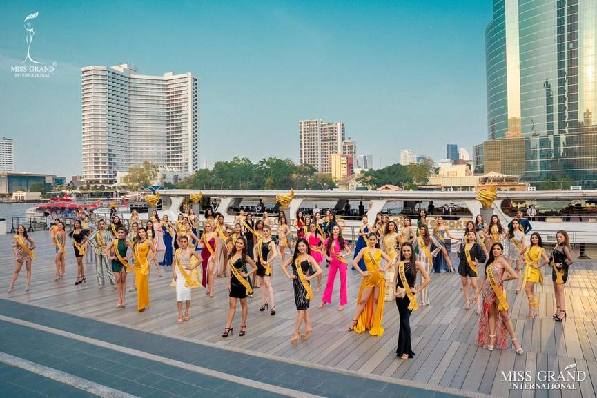 Ngọc Thảo khoe chân dài 1m11, quẩy cực 'sung' bên dàn thí sinh Miss Grand 2021 - ảnh 1
