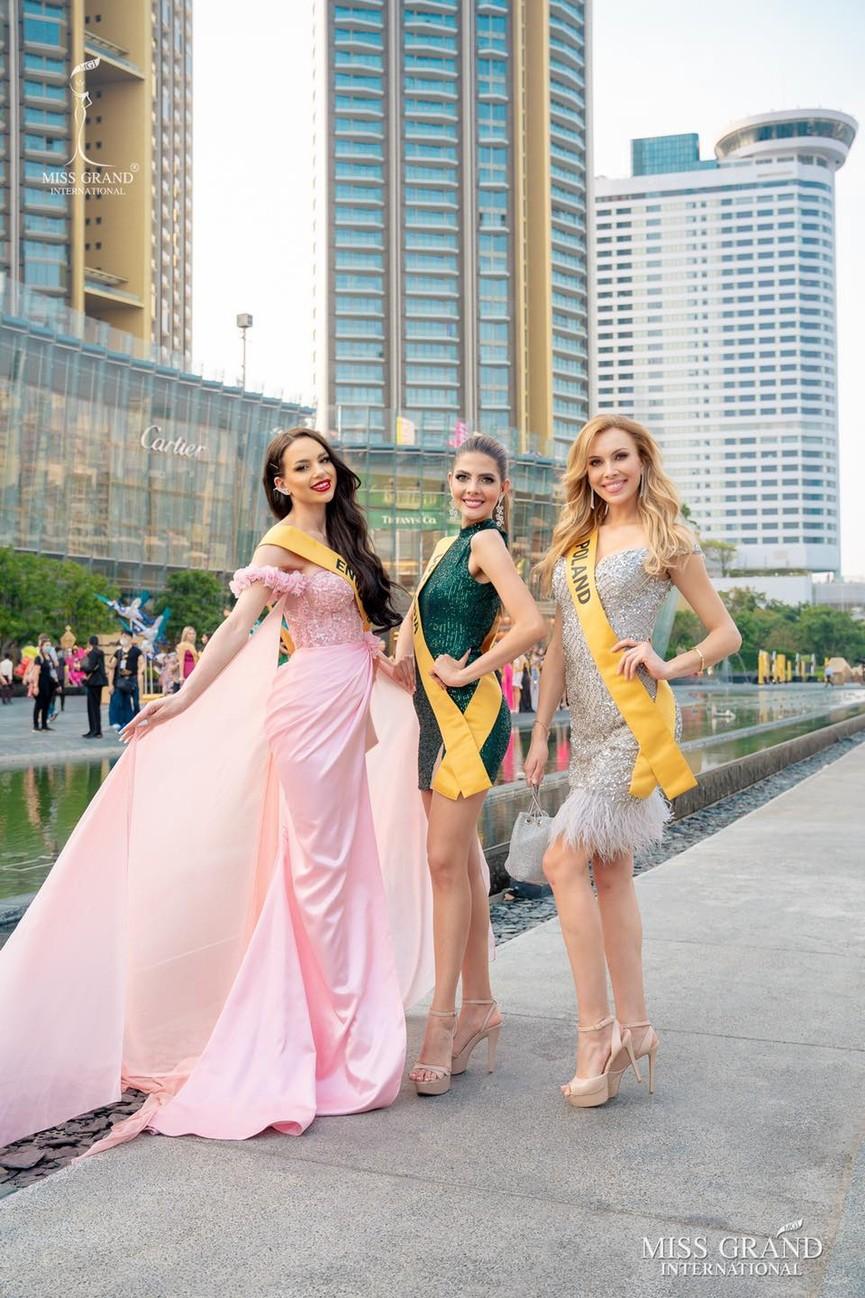 Ngọc Thảo khoe chân dài 1m11, quẩy cực 'sung' bên dàn thí sinh Miss Grand 2021 - ảnh 9