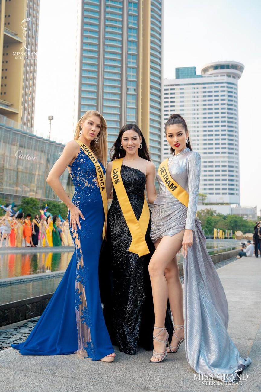 Ngọc Thảo khoe chân dài 1m11, quẩy cực 'sung' bên dàn thí sinh Miss Grand 2021 - ảnh 4