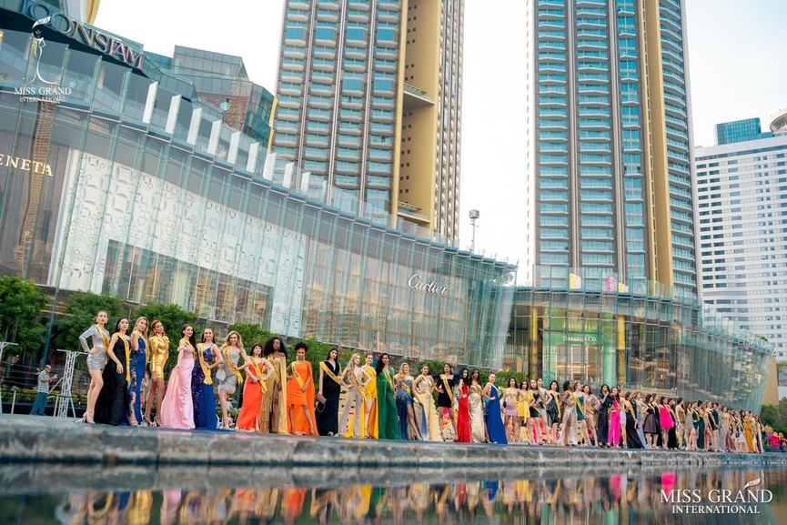 Ngọc Thảo khoe chân dài 1m11, quẩy cực 'sung' bên dàn thí sinh Miss Grand 2021 - ảnh 3