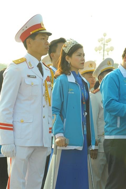 1.000 đại biểu báo công, viếng Lăng Chủ tịch Hồ Chí Minh - ảnh 5