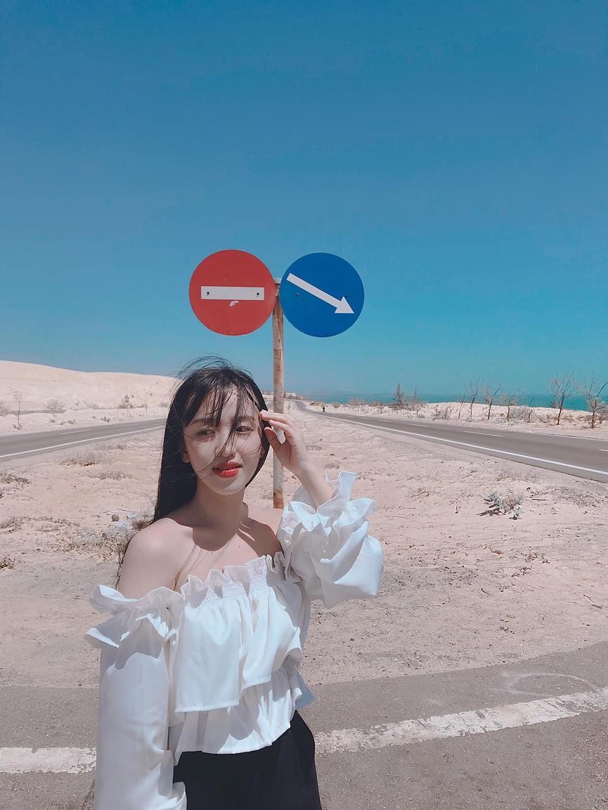 Phượt trên cung đường biển phủ đầy cát trắng đẹp nhất Việt Nam - ảnh 4