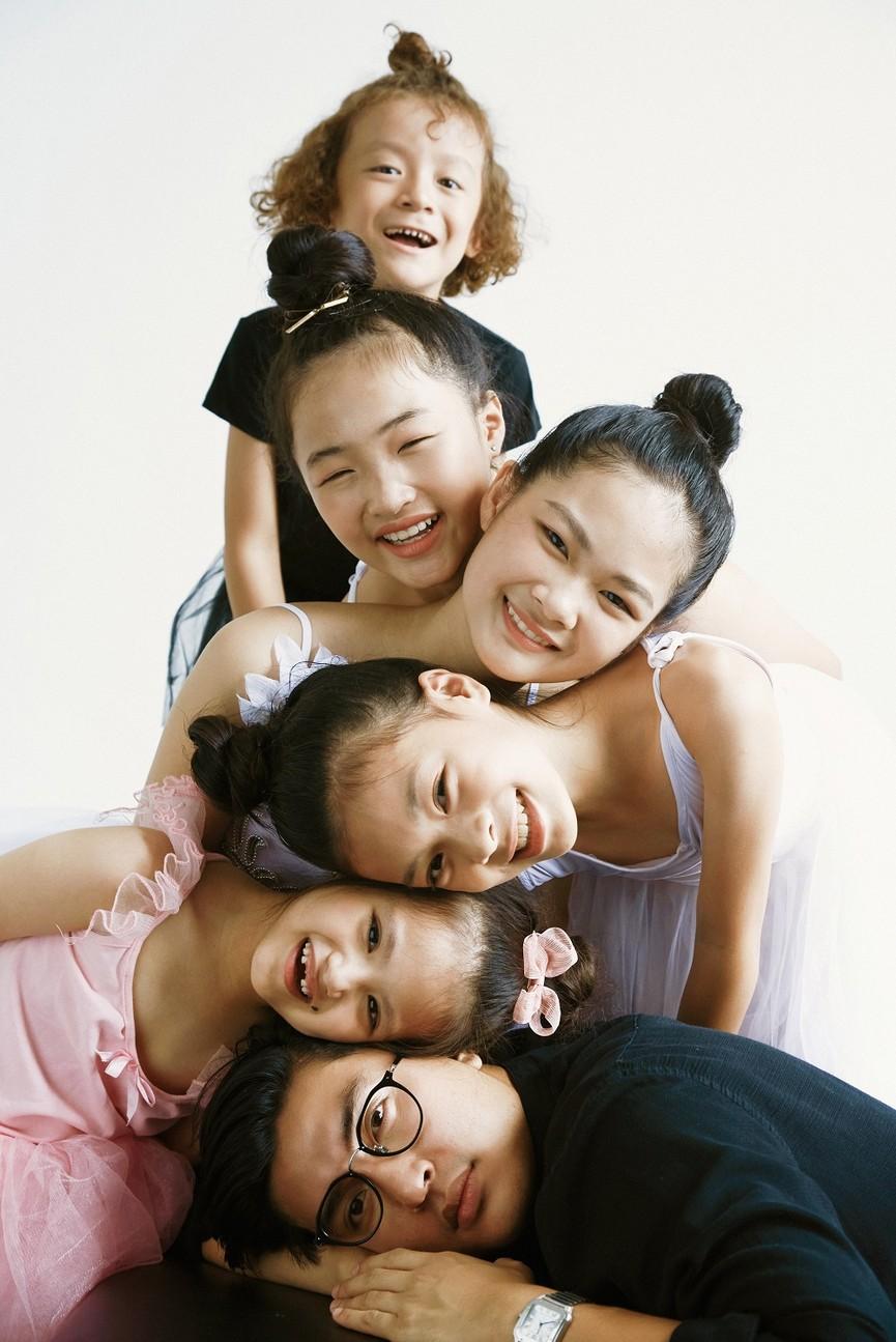 """Rời ghế nóng, Quang Đại chia sẻ bộ ảnh cực dễ thương cùng các thí sinh """"Model Kid Vietnam"""