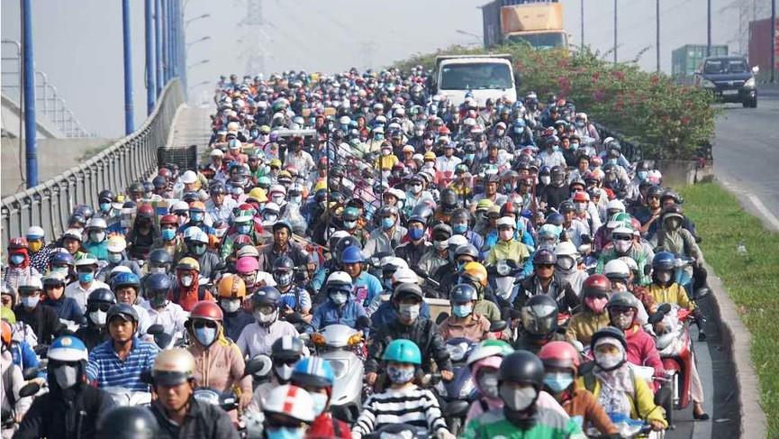 Cửa ngõ Sài Gòn kẹt xe ngày càng nghiêm trọng - ảnh 1