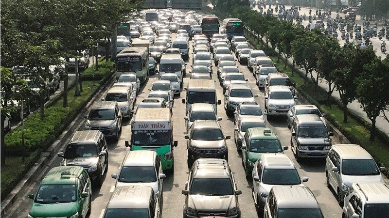 Cửa ngõ Sài Gòn kẹt xe ngày càng nghiêm trọng - ảnh 8