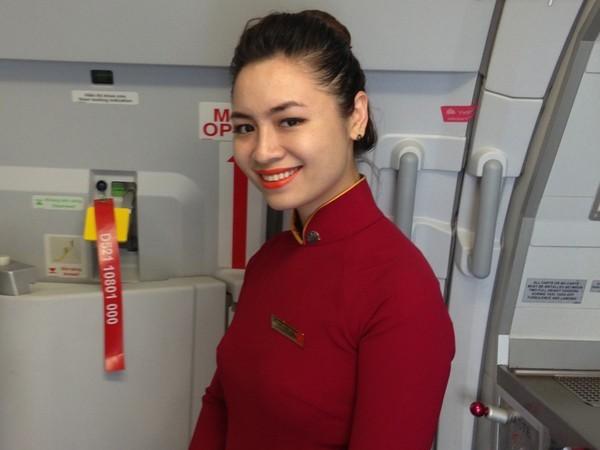 Quán bún đậu mắm tôm của tiếp viên trưởng Vietnam Airlines