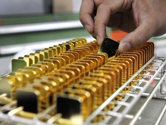 Giá vàng thế giới có thể chạm mốc 2.000 USD một ounce