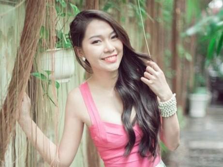 Nữ sinh hot nhất đại học Y khoe số đo chuẩn