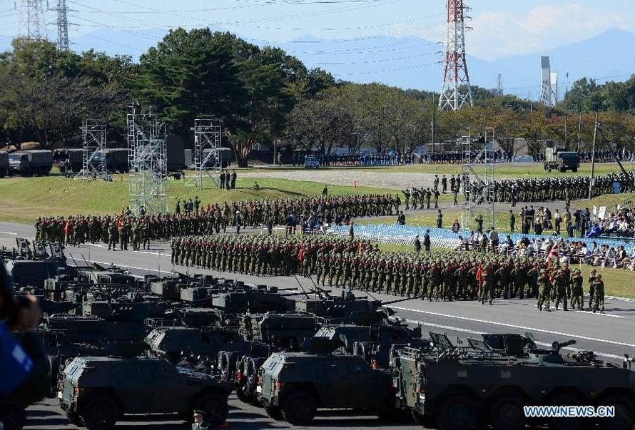 Nhật Bản duyệt binh hoành tráng, khoe vũ khí khủng
