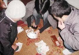 Bị cướp sạch tiền vì 'ăn non' thắng bạc