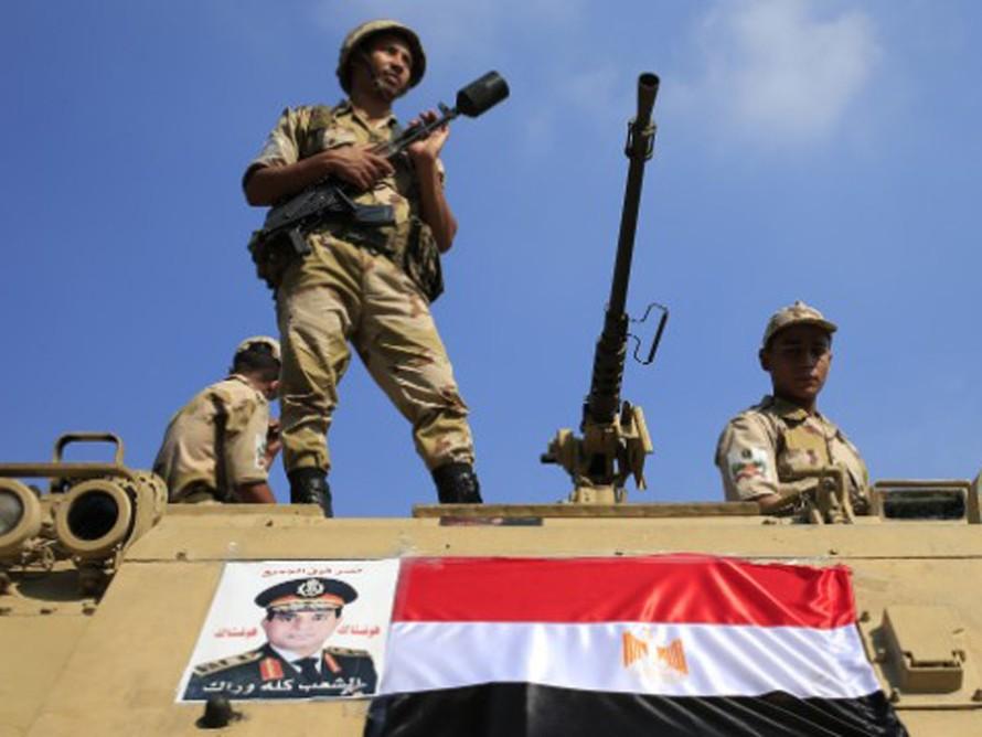 Mỹ tạm ngừng viện trợ quân sự cho Ai Cập