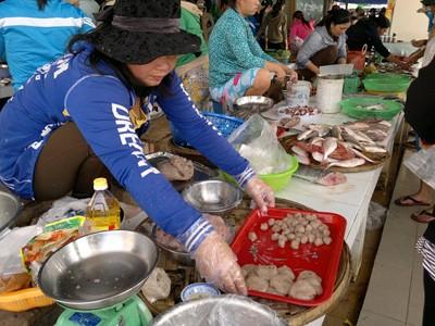 Chế biến chả cá bằng kháng sinh độc hại