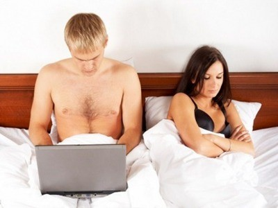 Ngưng dùng di động trong phòng ngủ để 'yêu' thăng hoa