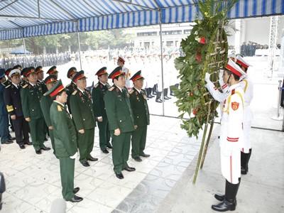 Đoàn Đại biểu Bộ Quốc phòng viếng Đại tướng