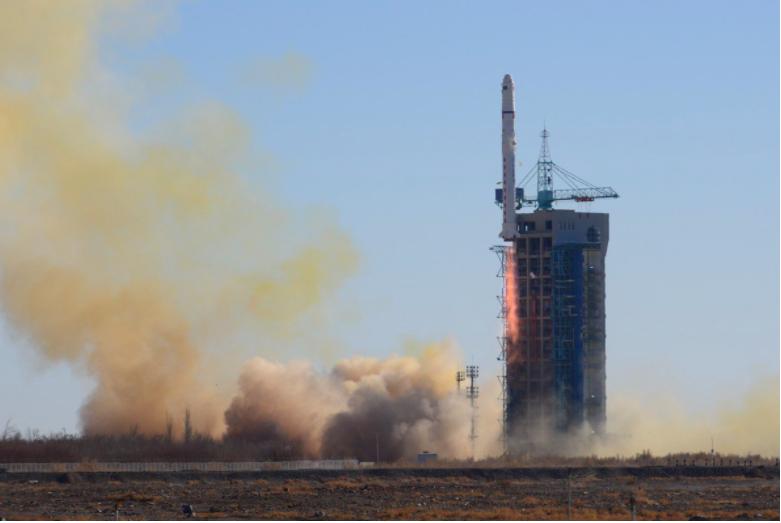Một tên lửa Trường Chinh 2D được phóng vào quỹ đạo từ khu vực tây bắc Trung Quốc vào tháng 12 năm ngoái. (Ảnh: Xinhua)