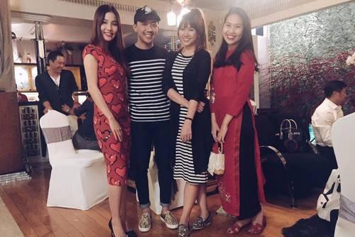 Trấn Thành - Hari Won mặc đồ đôi đi chơi xuân