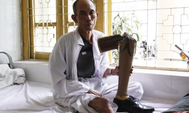 Ông Hoàng Tiến Vin tại bệnh viện.