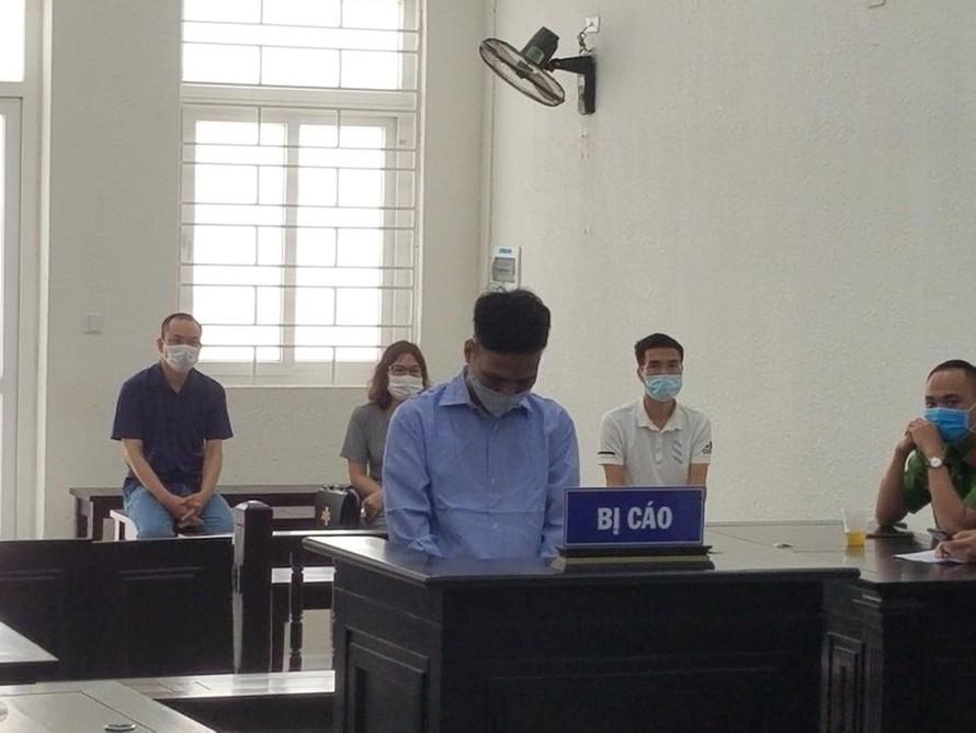 Bị cáo Vũ Tuấn Dũng tại tòa.