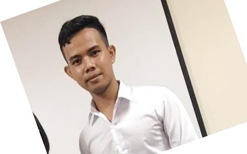 Chàng sinh viên Campuchia đã kết thúc khóa học của mình với những điều đặc biệt