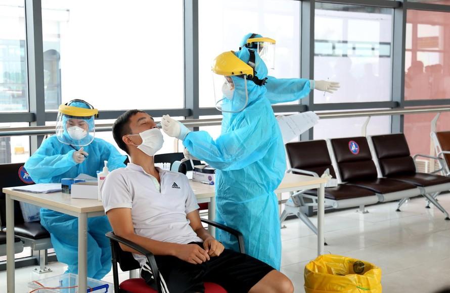 Danh sách 180 cơ sở y tế ngoài công lập người dân Hà Nội có thể đến xét nghiệm SARS-CoV-2