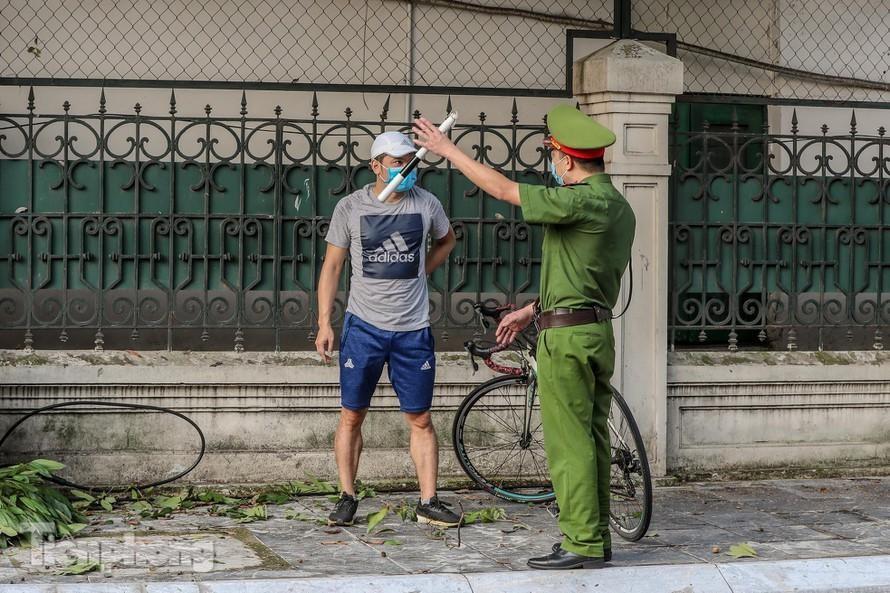 Một ngày, Hà Nội xử phạt hơn 1,5 tỷ đồng vi phạm giãn cách xã hội