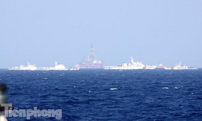 Trung Quốc đặt giàn khoan Hải Dương 981 trái phép trên vùng biển của Việt Nam. Ảnh: Nguyễn Huy