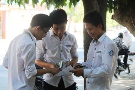 Quyết định giảm thời gian thi môn Toán và Văn từ 150 phút xuống 120 phút là phù hợp với kỳ thi tốt nghiệp THPT. Ảnh: Dân Trí