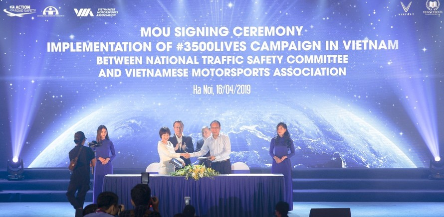 Văn phòng Ủy ban ATGT Quốc gia và Hiệp hội Thể thao xe động cơ thực hiện ký kết Chương trình phối hợp triển khai chiến dịch 3.500 sinh mạng tại Việt Nam