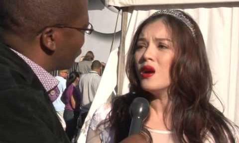 Lý Nhã Kỳ gây 'bão' với video nói tiếng Anh