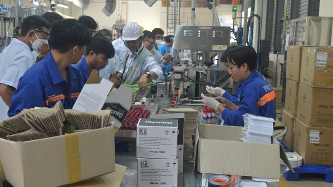 Công nhân các khu công nghiệp đã trở lại làm việc bình thường ngay sau những ngày nghỉ Tết. Ảnh: PV.
