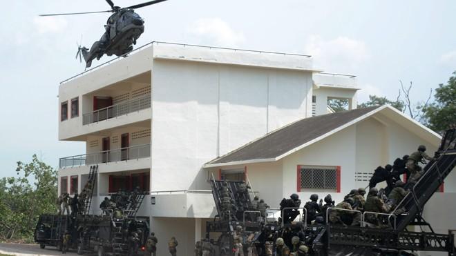Quang cảnh 1 buổi tập luyện của lực lượng đặc công, đặc nhiệm các nước tham gia ADMM+. Ảnh: Nguyễn Hòa