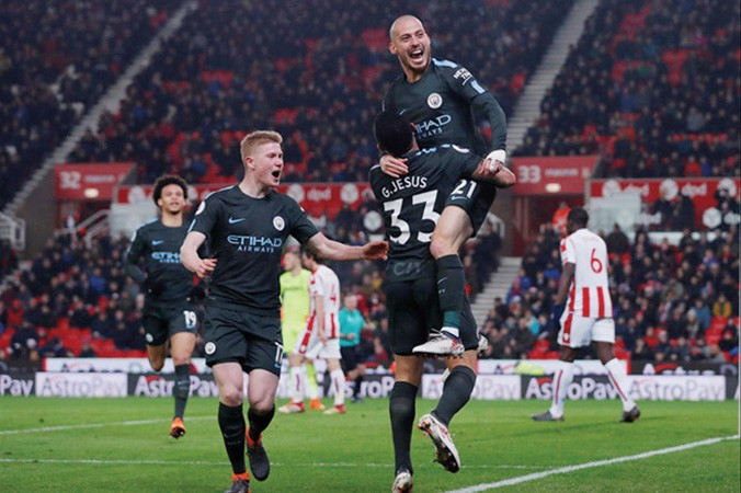 Man City chỉ còn cách ngôi vô địch đúng 2 trận thắng.