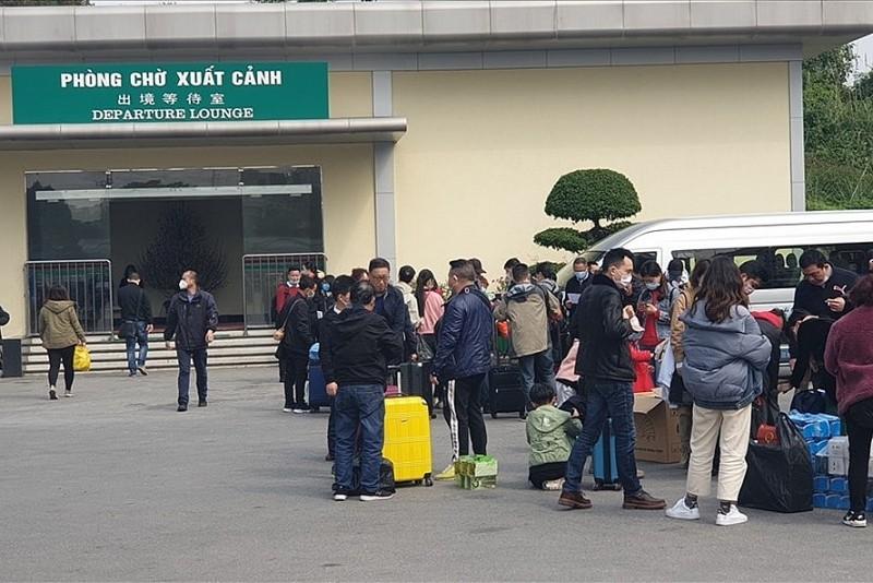 Bộ LĐ-TB&XH yêu cầu tạm dừng cấp phép cho lao động Trung Quốc vào Việt Nam làm việc