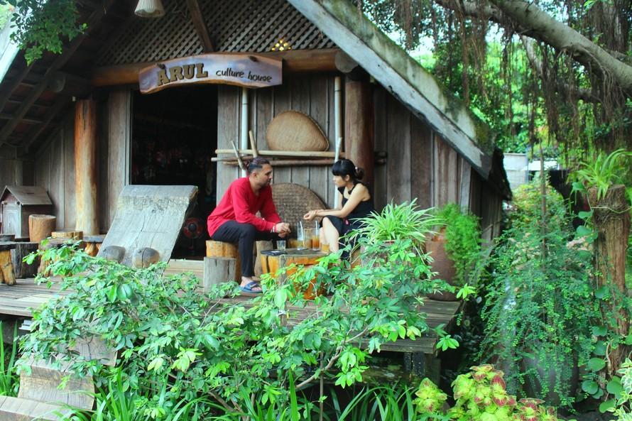 Quán cà phê nhà sàn Êđê được nhiều khách chuộng