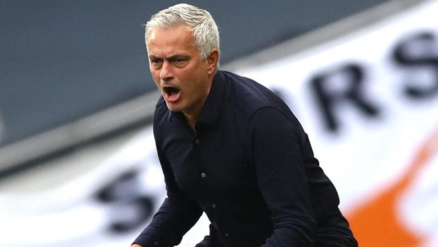 Jose Mourinho cho rằng PSG đã thất bại khi chưa giành được Champions League.