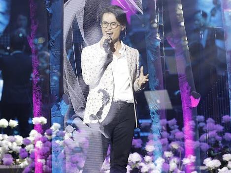 Hà Anh Tuấn lần đầu tiết lộ kỉ niệm hớ hênh quên kéo khóa quần trên sân khấu