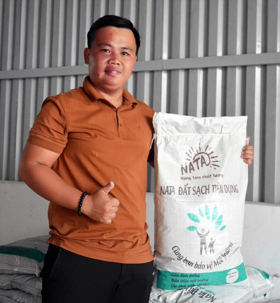 Đất sạch hữu cơ NaTa được sản xuất từ bùn thải Ảnh: NVCC