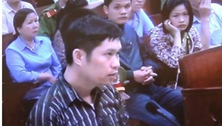 Nguyễn Mạnh Tường tại phiên xử ngày 14/4/2014.