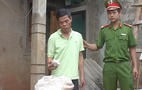 Thu giữ thuốc nổ tại vườn cafe nhà đối tượng Trần Trung Đăng