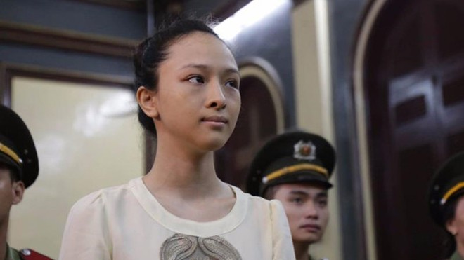 Hoa hậu Phương Nga tại phiên toà tháng 9