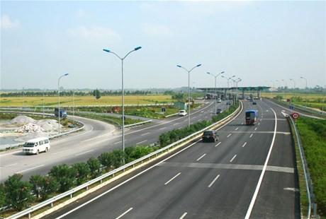 Dự kiến giai đoạn tới năm 2030 sẽ ưu tiên vốn đầu tư các tuyến đường bộ cao tốc, với quốc lộ chỉ nâng cấp đường hiện có.