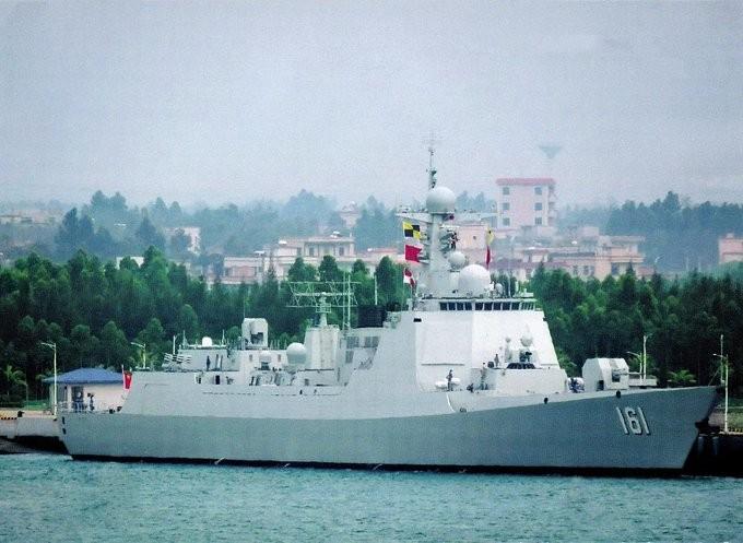 Tàu khu trục Hohhot thuộc lớp Type 052D của Trung Quốc.