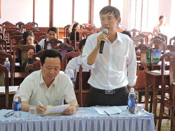 Ông Tâm giám đốc BVĐK huyện Cư Kuin tại cuộc họp