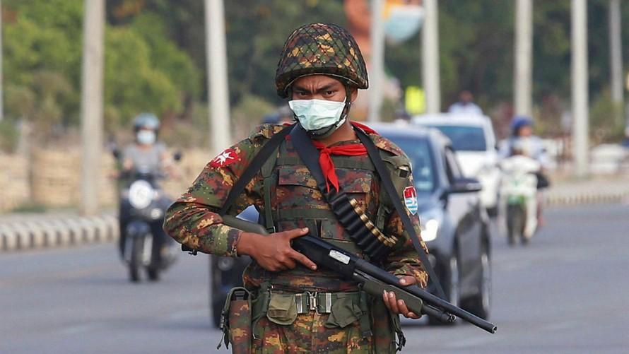 Binh sĩ Myanmar. Ảnh: Reuters