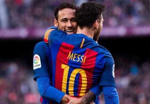 Barcelona lập kỷ lục 100 bàn thắng trong mùa giải 2016/17.